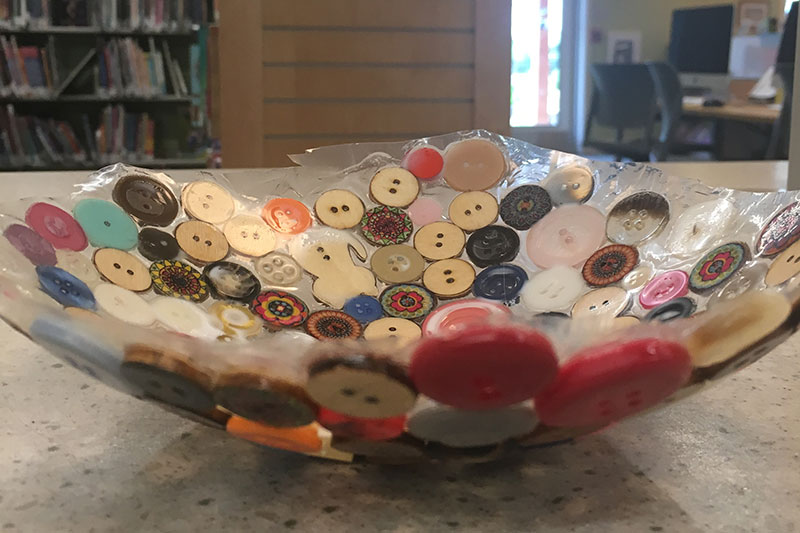 Bowl from buttons